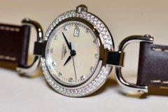 浪琴马术系列手表回收价格很低吗?