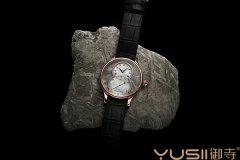 雅克德罗新款陨石材质面盘手表回收